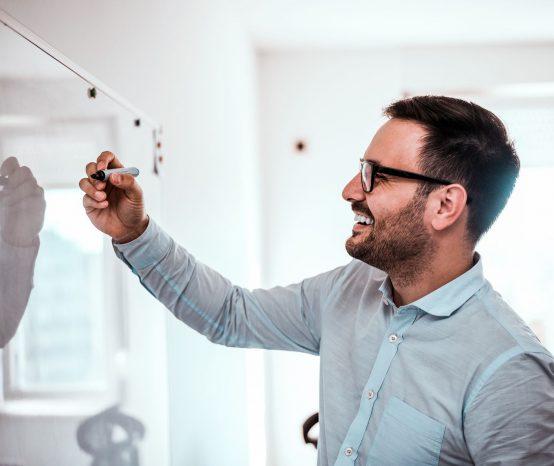 Como montar uma programação de rádio de sucesso?