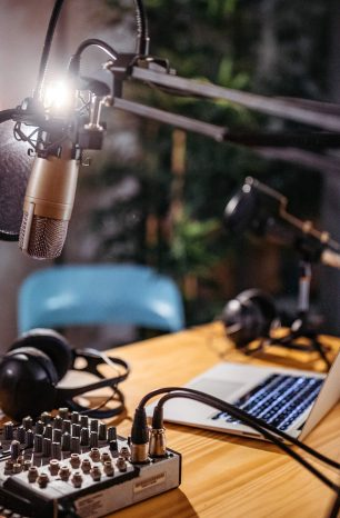 Saiba como montar uma rádio comercial legalizada