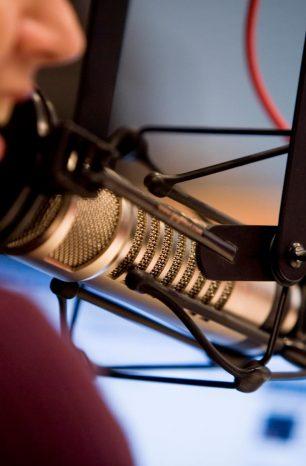 Guia completo sobre locução de rádio