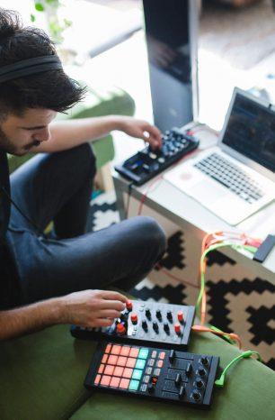 5 dicas de como divulgar trabalho de DJ que você precisa conhecer!
