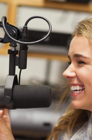 Como criar um programa de humor no rádio?